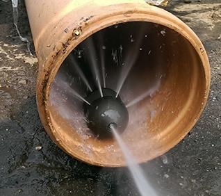 Гидродинамическая прочистка канализационных сетей